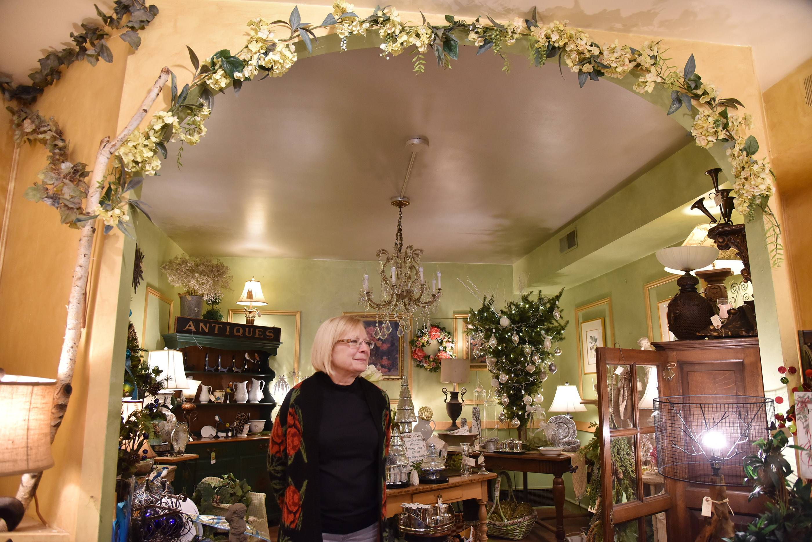 Downtown Barrington's Fresh Flower Market will close its doors for good Saturday. Owner Liz Bremner is retiring and said she could not find a suitable buyer.