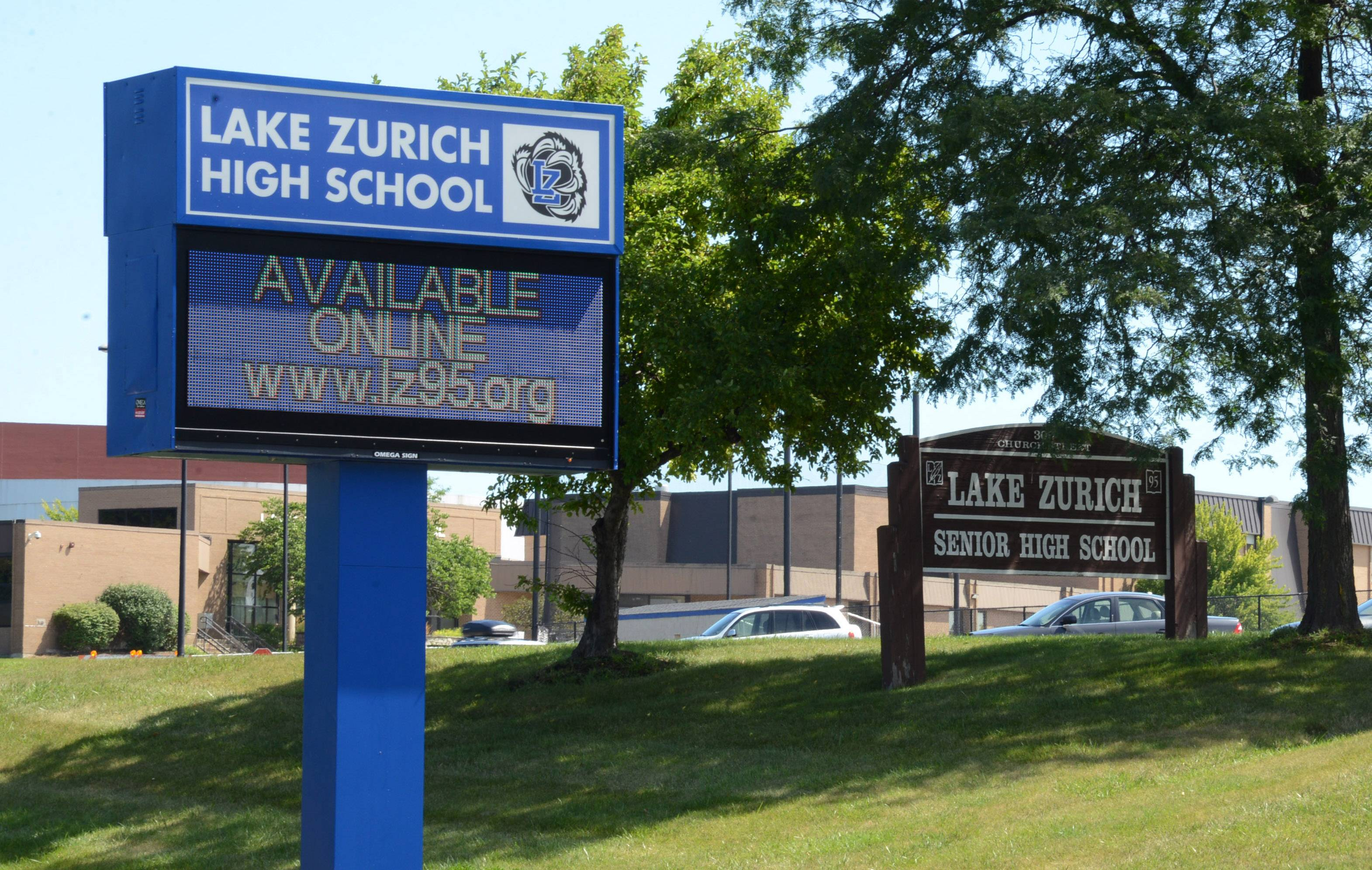 Lake Zurich High football hazing lawsuit settled for $399,000