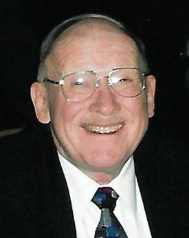 Paul Doescher Jr., 90, passed away last Saturday in Lincolnshire.