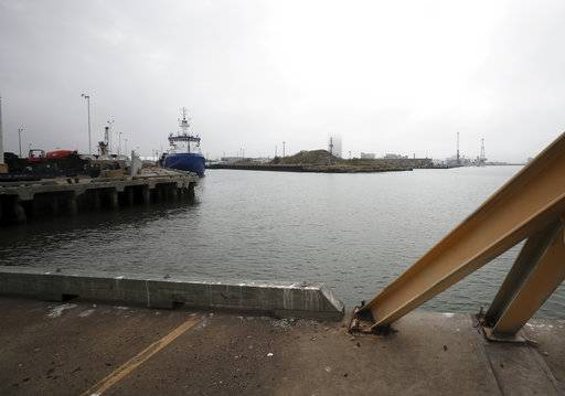 An open area in the port on Thursday, Dec. 21, 2017. Wharves Board of Trustees Chairman Ted O'Rourke wants to make this area a place for shipping vessels to dock. When Rodger Rees arrives as the Port of Galveston's new director this month, he'll be greeted by a board and a community with high expectations he'll shape a broad vision for the public docks. But his first concern must be in the fine details, several wharves board trustees said.  (Kelsey Walling /The Galveston County Daily News via AP)