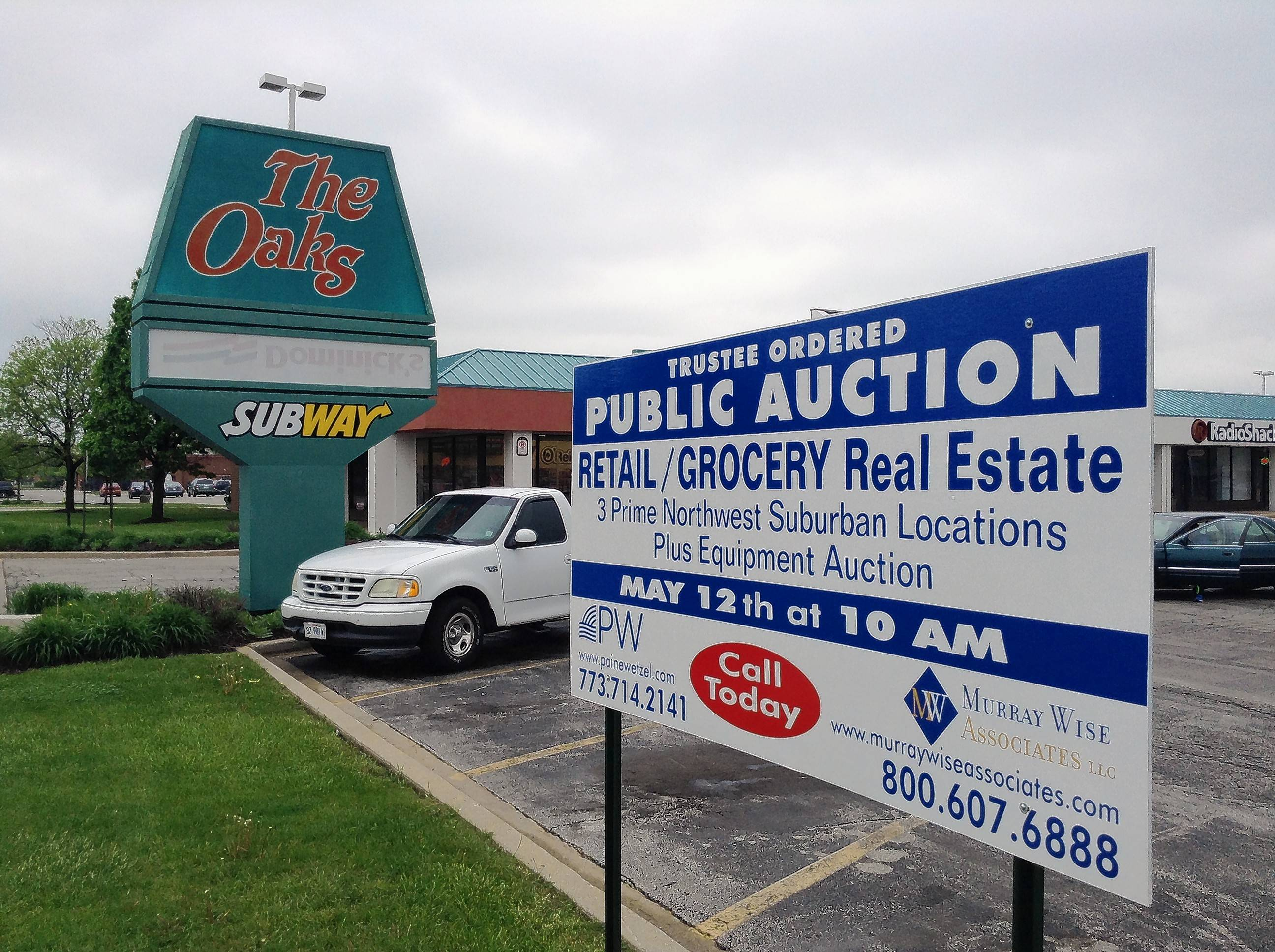 The Oaks Shopping Center at Oakton and Lee Streets in Des Plaines was auctioned in May 2016 with other properties owned by Joe Caputo & Sons. The winning bidder, Butera/Piggly Wiggly, put up $32 million.