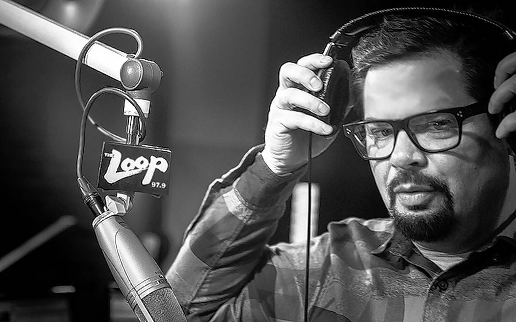 Veteran Chicago radio personality Erich Mancow Muller has dropped the lawsuit he filed against his boss, saying the two had agreed to put past differences behind them and work together amicably.