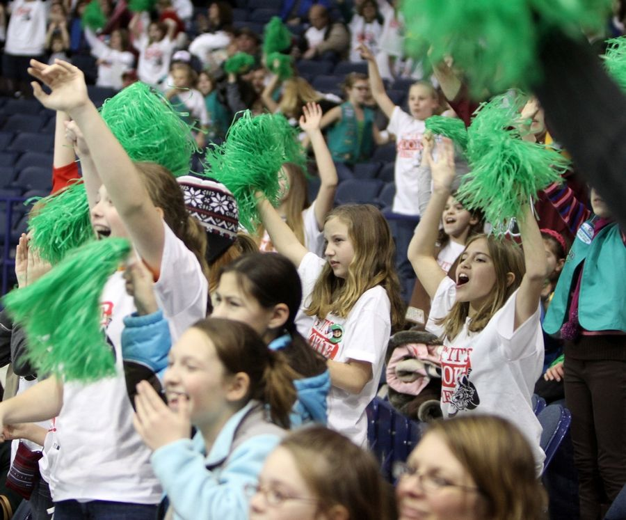 The annual Girl Scouts Cookie Kickoff at the Allstate Arena will feature a new twist this year -- an attempt to set the world record for most cookies dunked into milk at the same time.