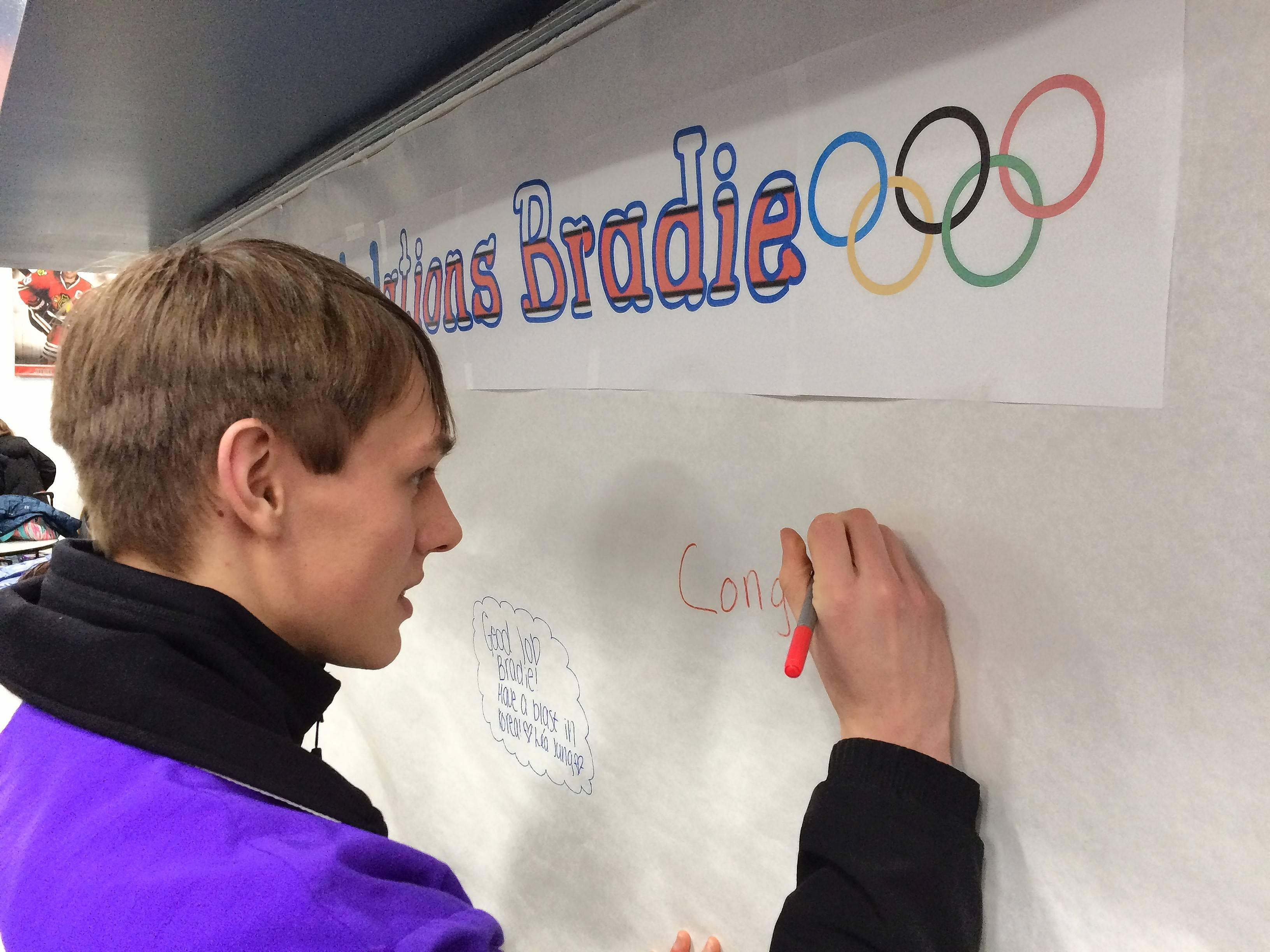 Derek Wagner, a coach at the Twin Rinks Ice Pavillion in Buffalo Grove, leaves a congratulatory note for newly named figure skating Olympian Bradie Tennell.