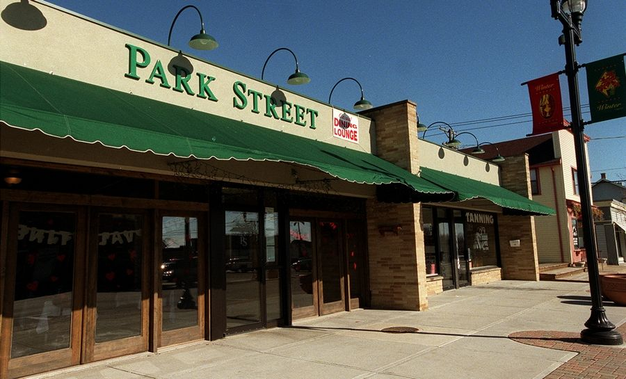 The owners of the Park Street Restaurant in downtown Mundelein will receive a village grant to purchase new awnings.