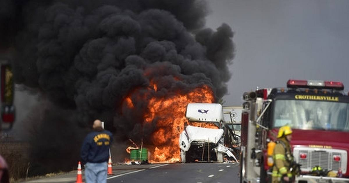 I-65 reopens after crash closed southern Indiana highway