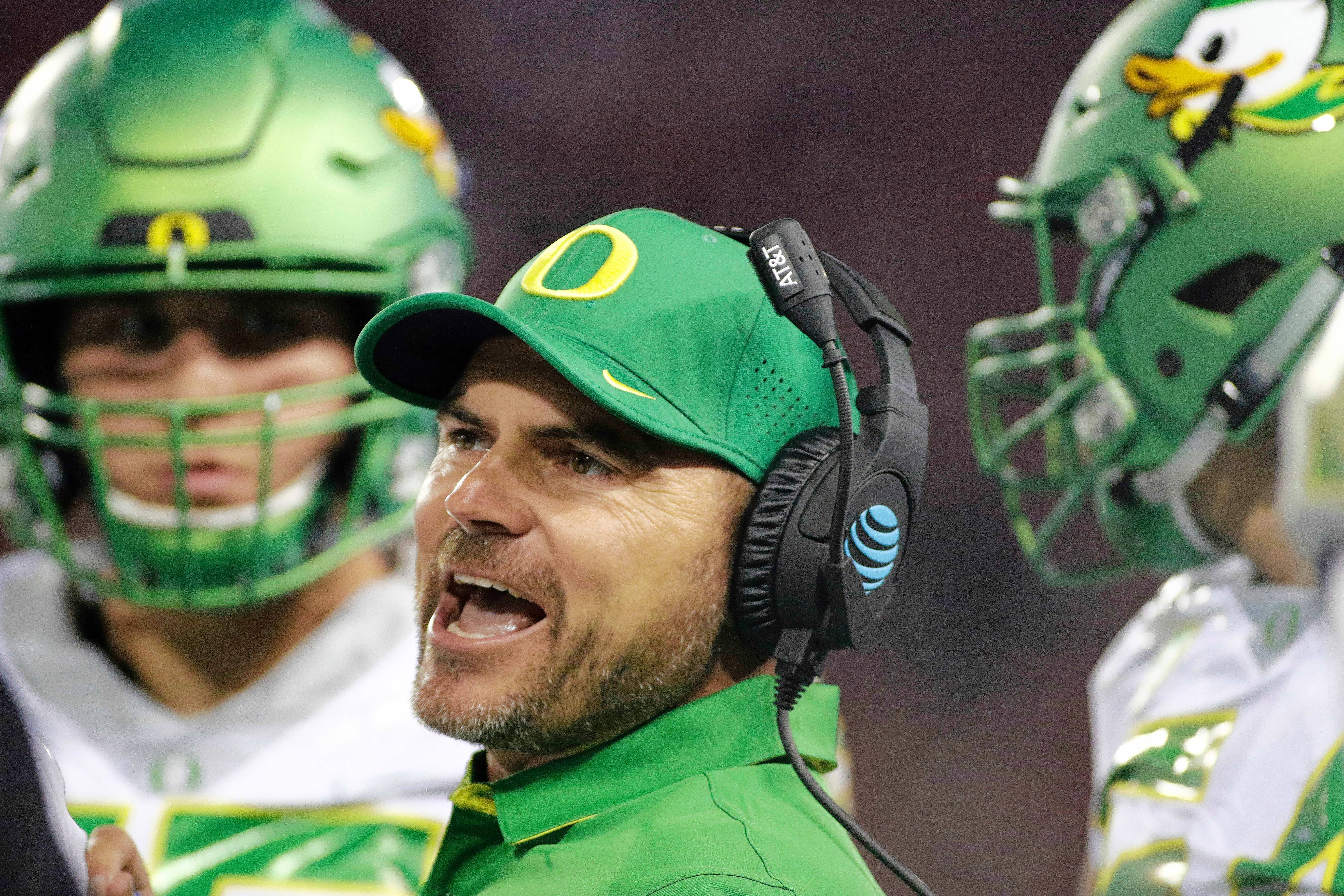 Chicago Bears hire former Oregon coach Helfrich as offensive coordinator