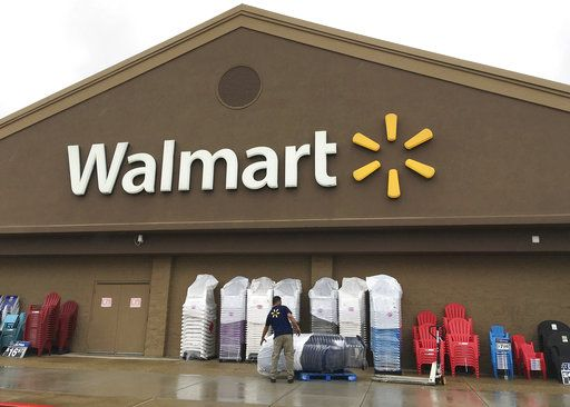 huge discount f2f5d f1e1d Some Walmart employees get raises, others to lose their jobs