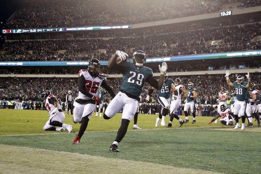 Philadelphia Eagles' LeGarrette Blount scores a touchdown during the first half of an NFL divisional playoff football game against the Atlanta Falcons, Saturday, Jan. 13, 2018, in Philadelphia.