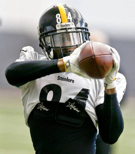 Pittsburgh Steelers wide receiver Antonio Brown (84) makes a catch during drills in an NFL football practice, Thursday, Jan. 11, 2018, in Pittsburgh. The Steelers host the Jacksonville Jaguars in a divisional playoff on Sunday.