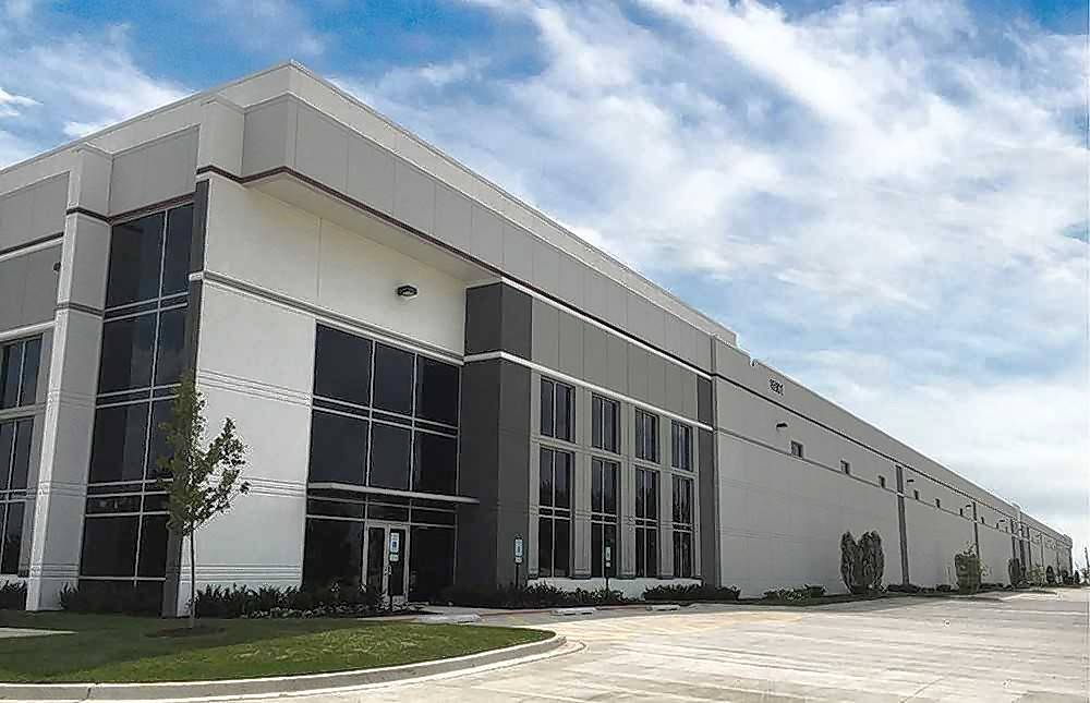 ML Realty Partners based in Itasca said the firm has signed a long-term lease with Illinois Tool Works Inc. in Lockport.