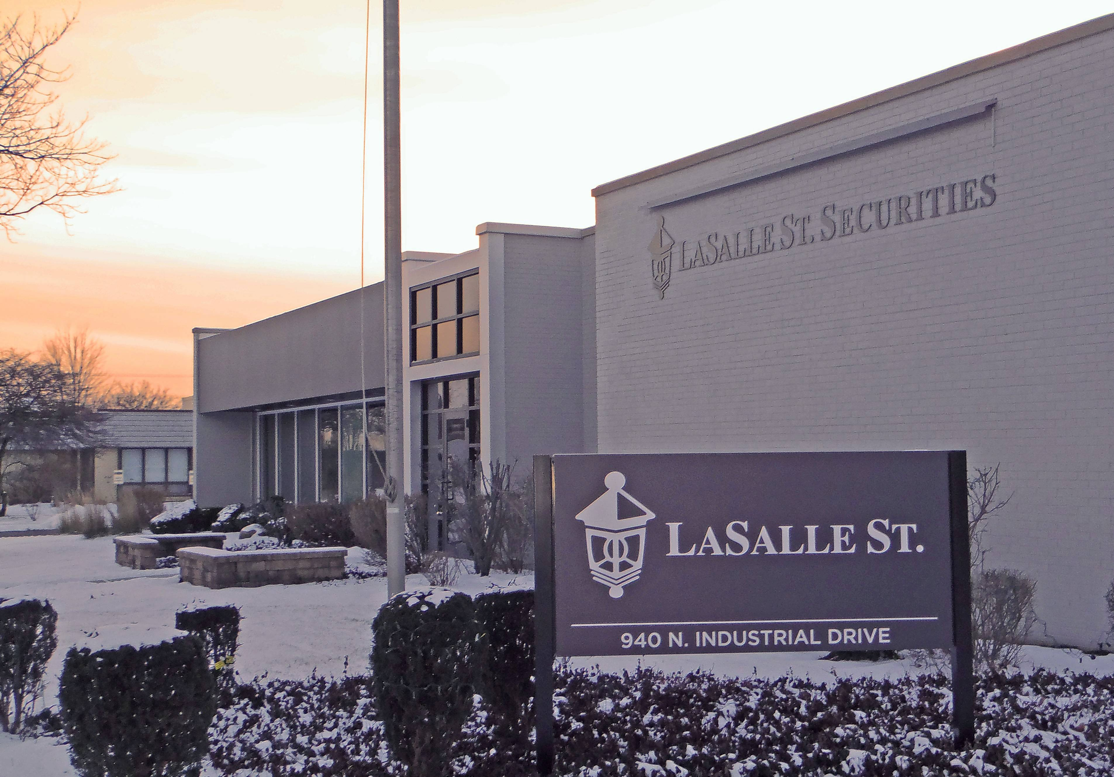 LaSalle St. Securities said it has added Kentucky-based L & N Federal Credit Union to its growing network of financial adviser affiliations.