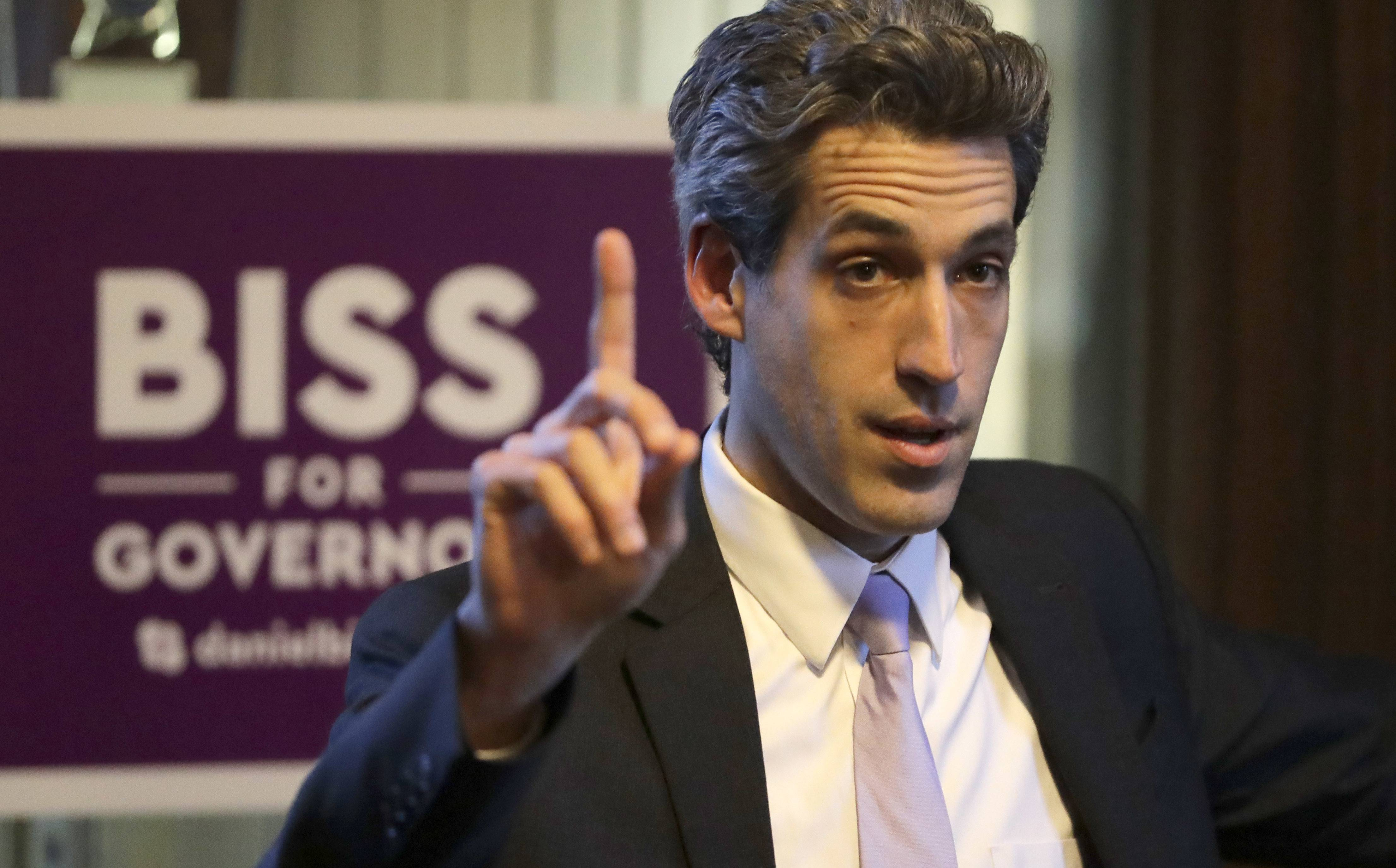 Democratic gubernatorial candidate Illinois Sen. Daniel Biss of Evanston talks to students during a campaign stop on the University of Chicago campus in Chicago. The former math professor who reported income of less than $35,000 last year is campaigning as a middle-class candidate in an Illinois governor's race that includes a couple millionaires and a billionaire. Biss seems to be gaining support for his progressive campaign.