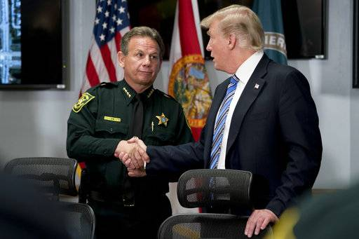 Trump meets Florida shooting victims, first responders