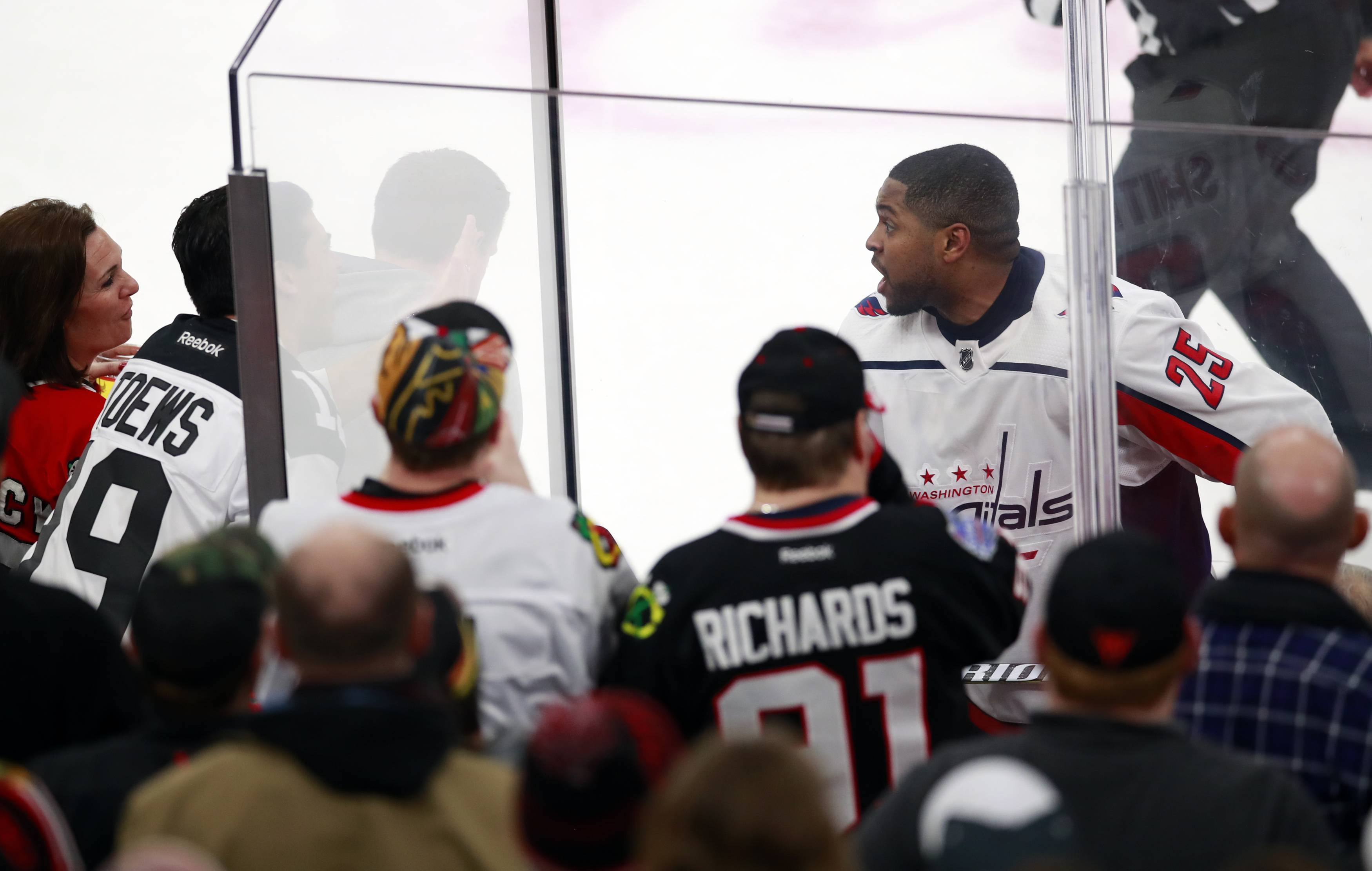 Washington Capitals right wing Devante Smith-Pelly argues with Chicago Blackhawks fans from the penalty box Saturday during the third period in Chicago. The Blackhawks won 7-1.