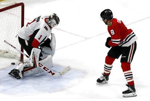 Schmaltz scores in 7th round of SO, Blackhawks edge Senators