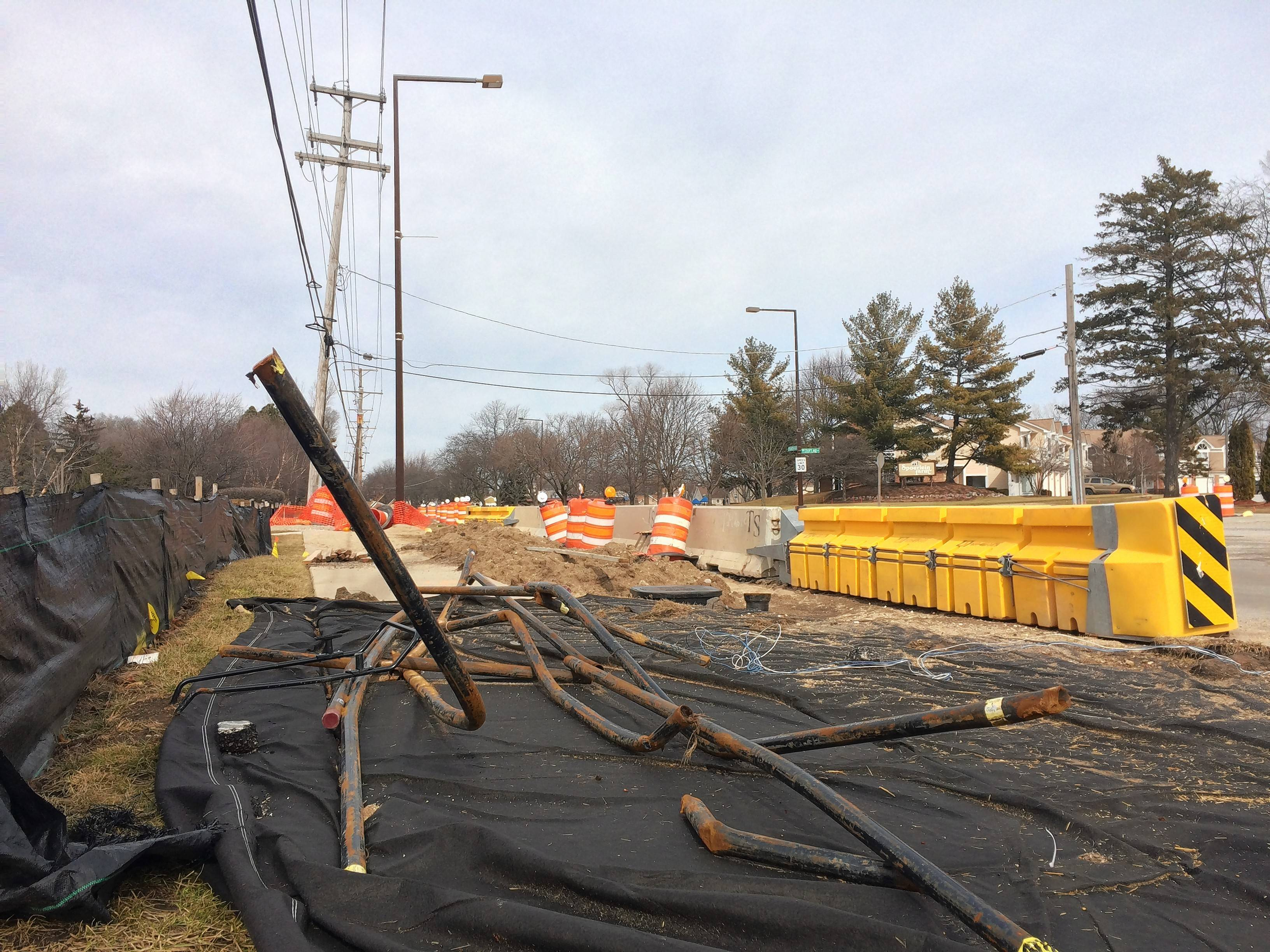 Construction is expected to finish in about four weeks on a pipeline project in Buffalo Grove expected to improve water distribution efficiency to homes in five Northwest suburbs. This work is occurring on the west side of Arlington Heights Road north of Route 83.