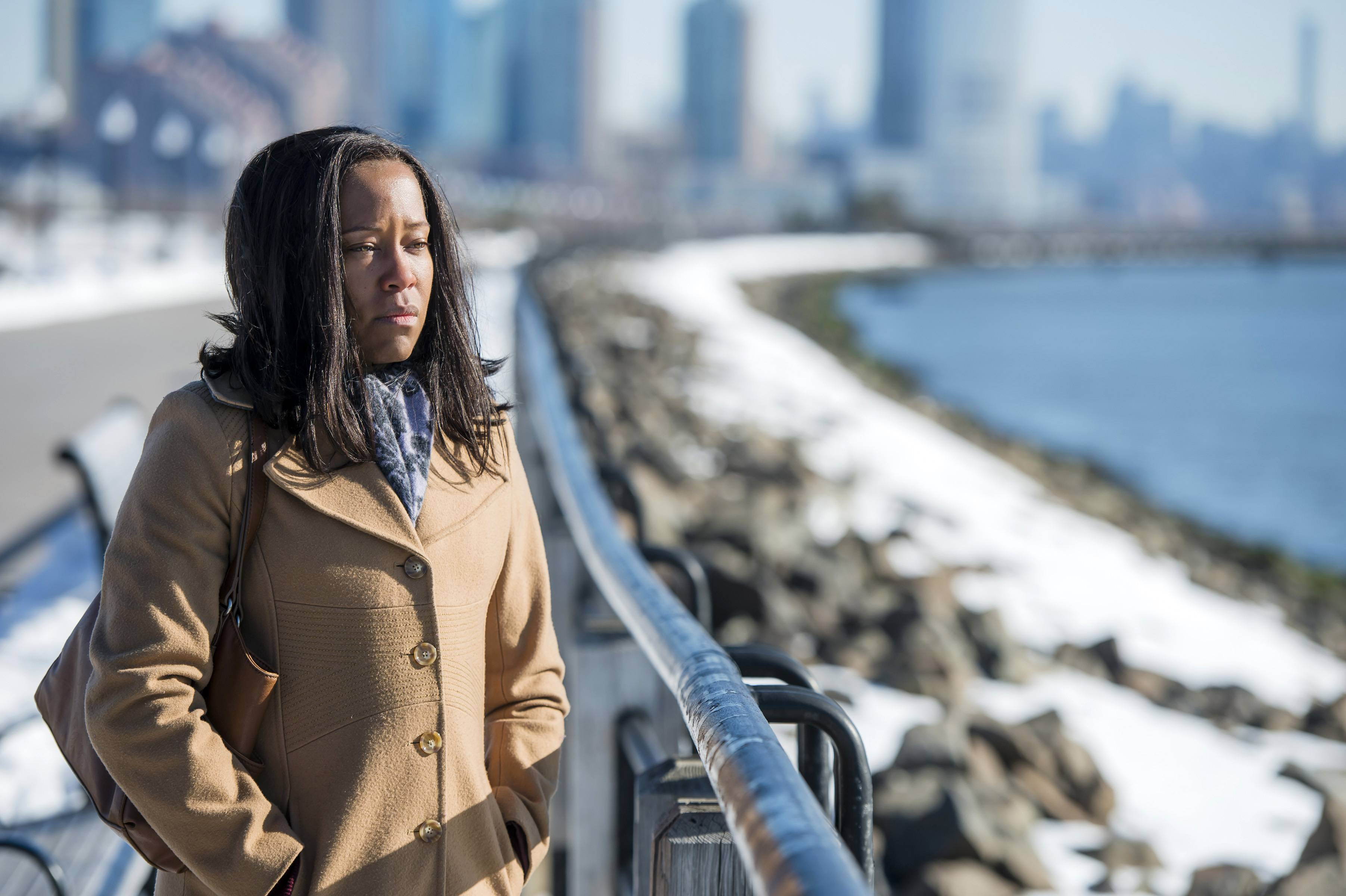 "Regina King turns in another standout performance as the mother of the victim of a crime in Netflix's ""Seven Seconds."""