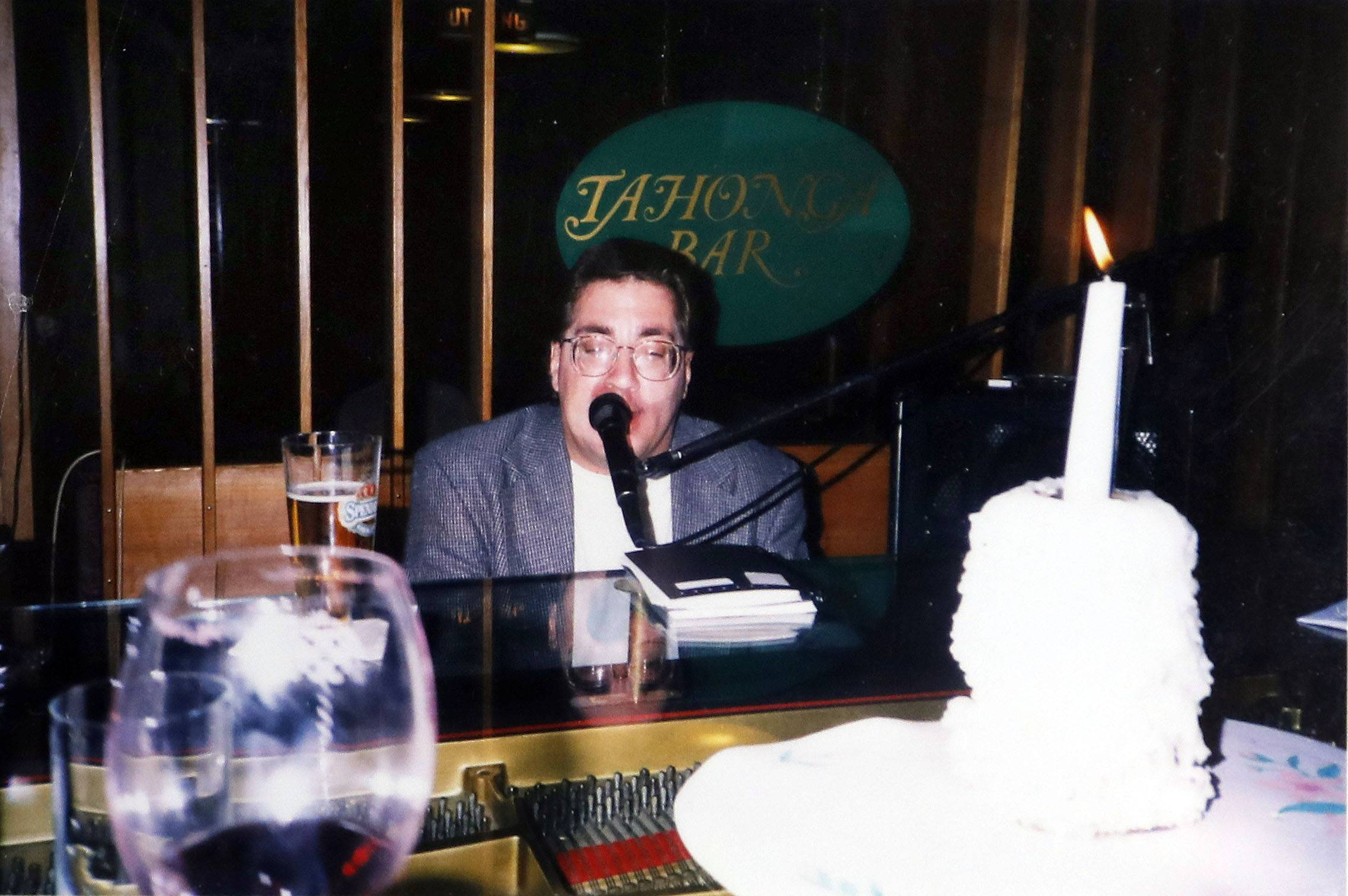 Starting out playing lounges in Chicago, piano player Wayne Richards of Streamwood is shown here performing in Sweden during the 1980s.