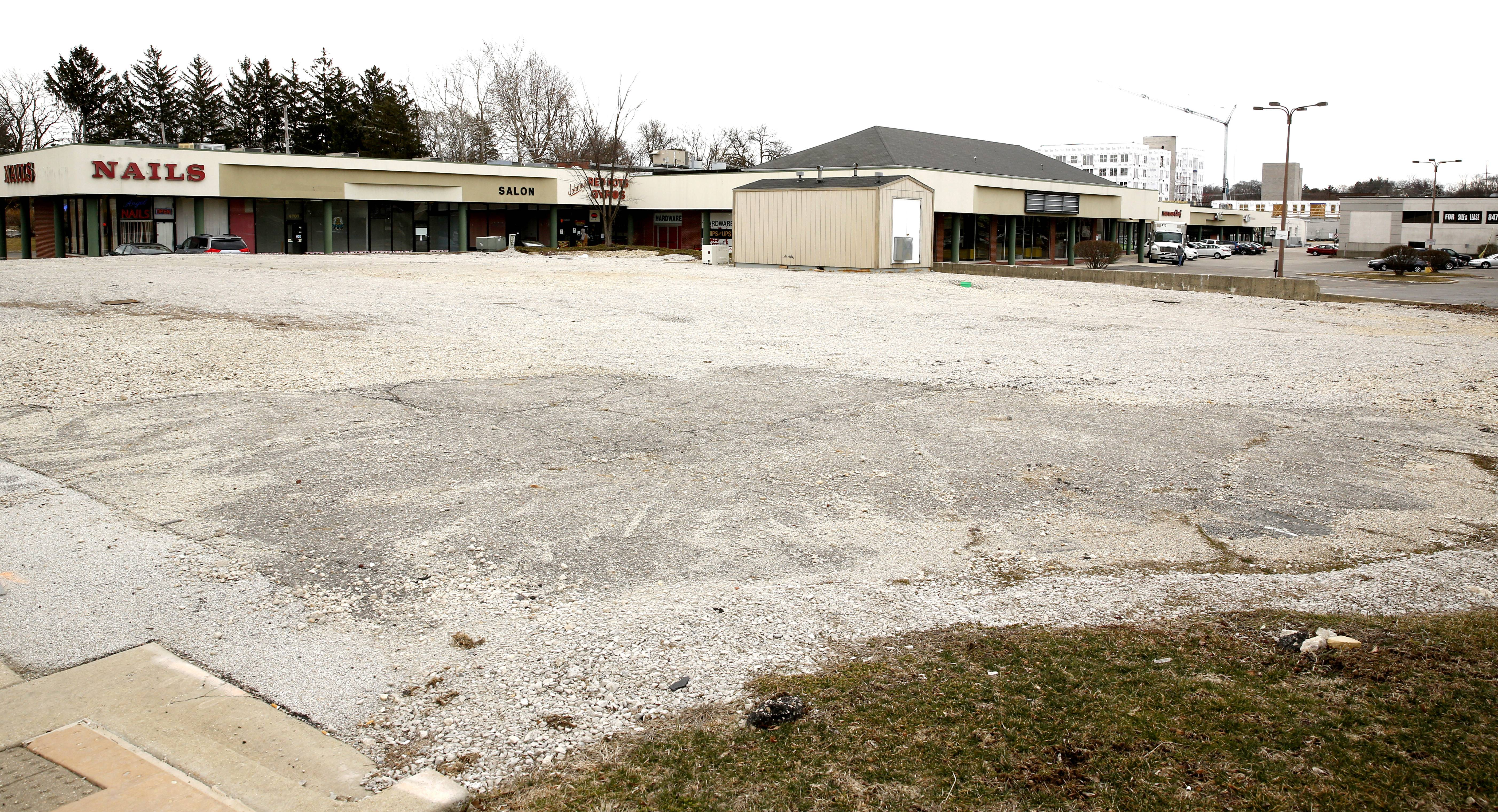 A shopping center at the southeast corner of Main Street and Ogden Avenue in downtown Lisle could be torn down to make room for a mixed-use development featuring apartments and about 37,000 square feet of retail and commercial space.