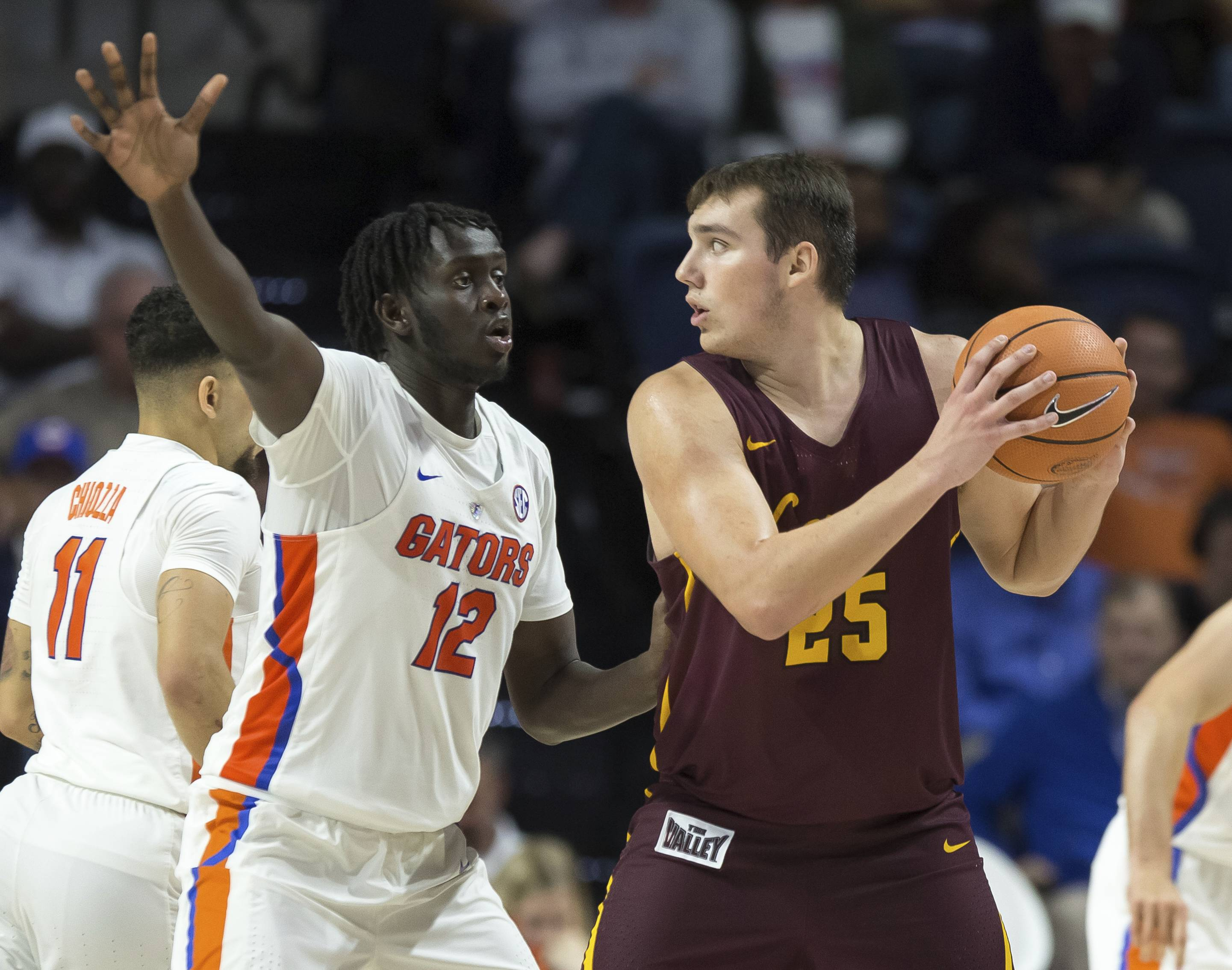 Loyola tries to stay focused on tall task at hand vs. Miami