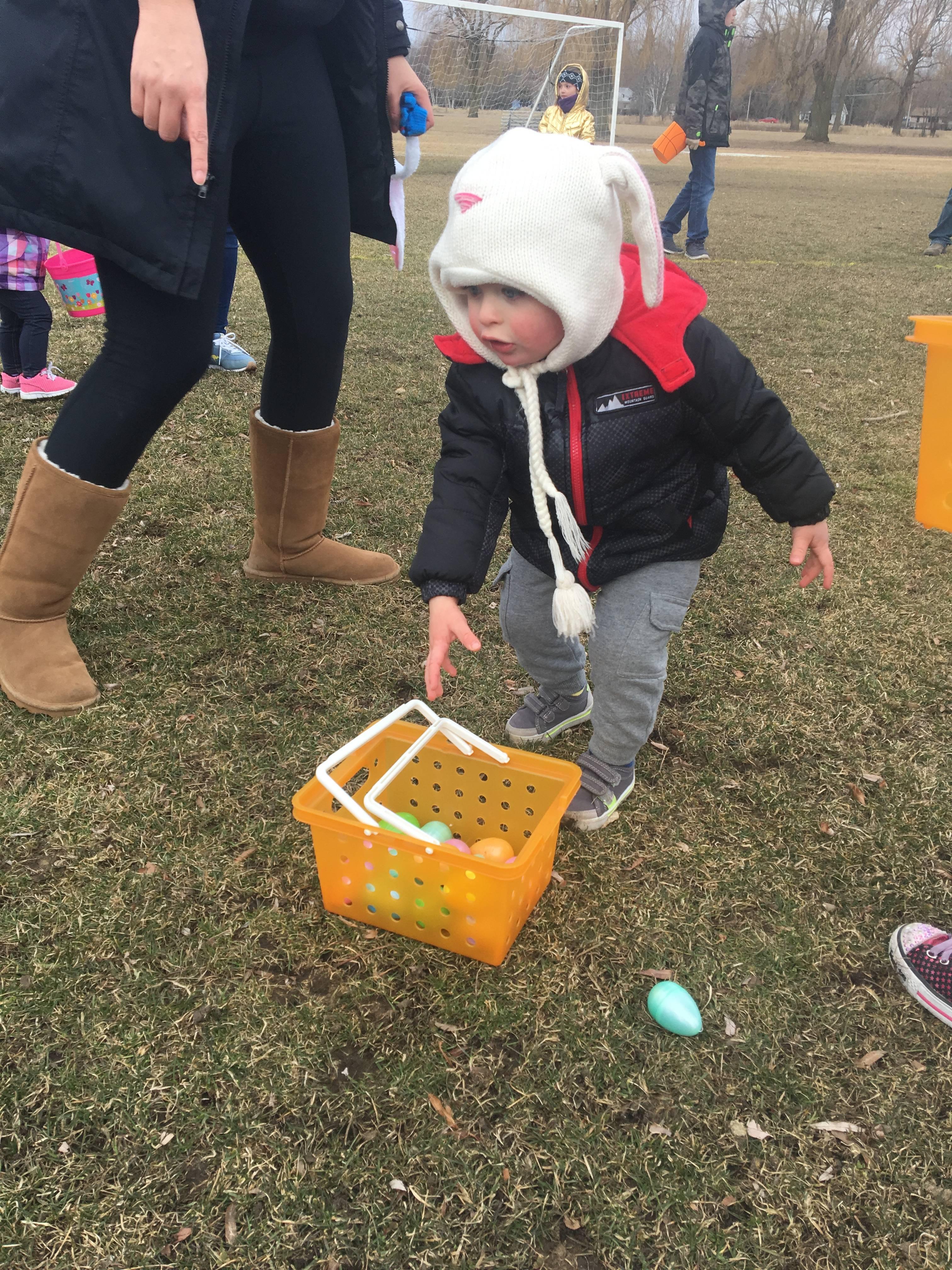 Egg Hunts Draw Crowds In Grayslake And Gurnee