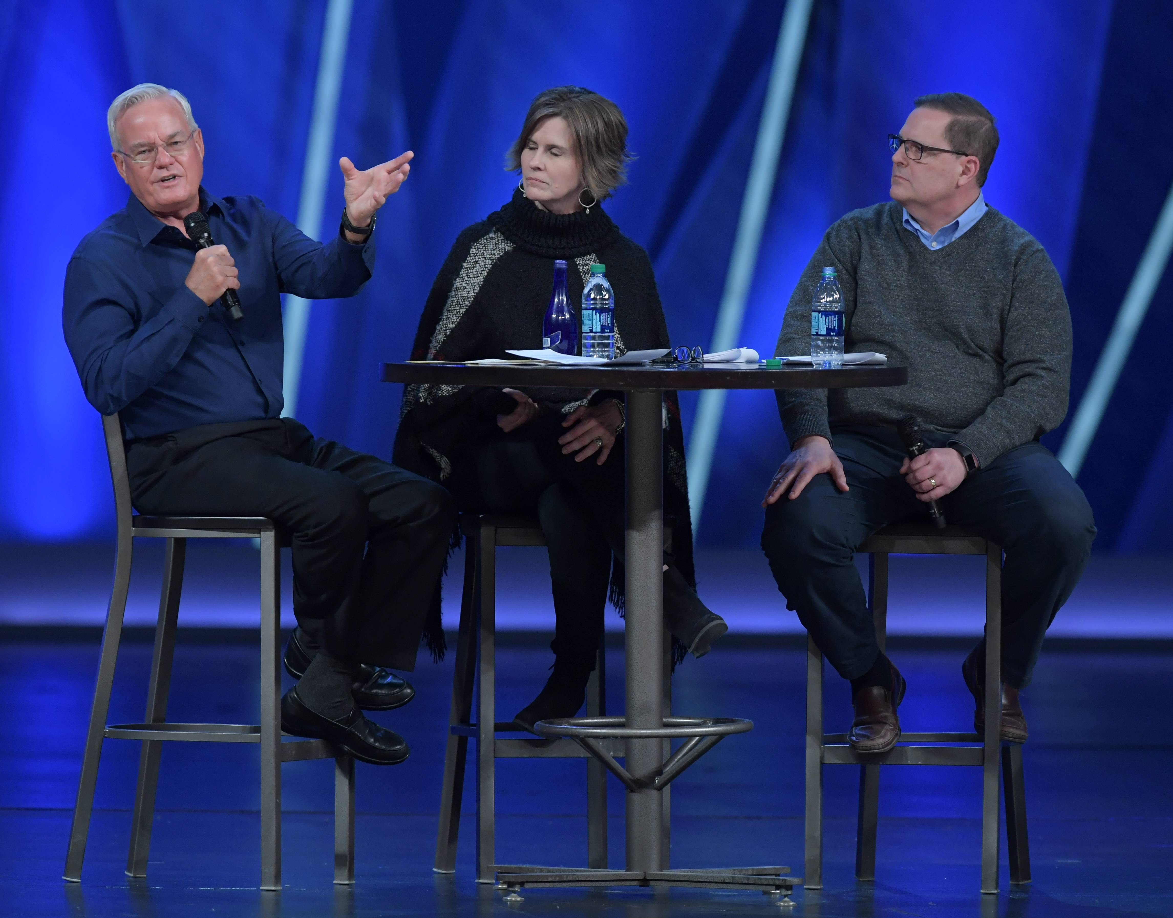 Willow Creek Senior Pastor Bill Hybels on Monday again denied allegations of misconduct.