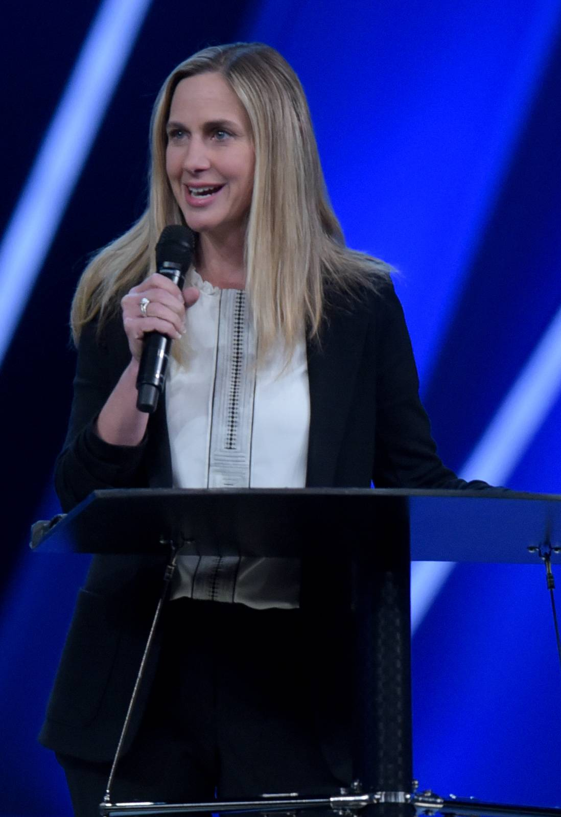 Longtime Willow Creek staff member Heather Larson is taking over as senior pastor after church founder Bill Hybels announced Tuesday he is stepping down.