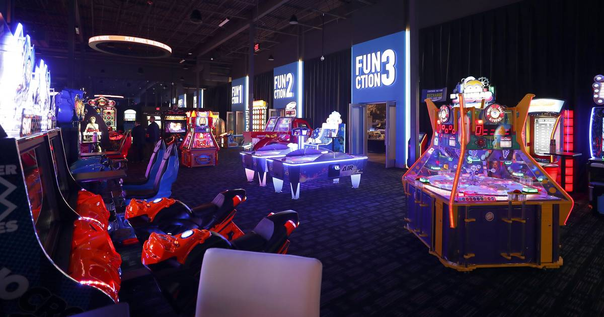 Dave Amp Buster S Will Be First To Open In Rosemont S The