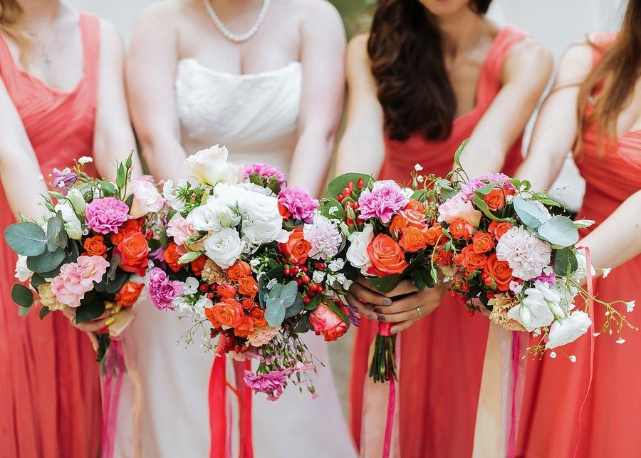 The average bridesmaid spends $1,200 per wedding, including attire, travel to the event, accessories and gifts, according to a May 2017 study from wedding-planning website WeddingWire. But that average climbs to over $1,800 when accounting for bachelorette parties and bridal showers.
