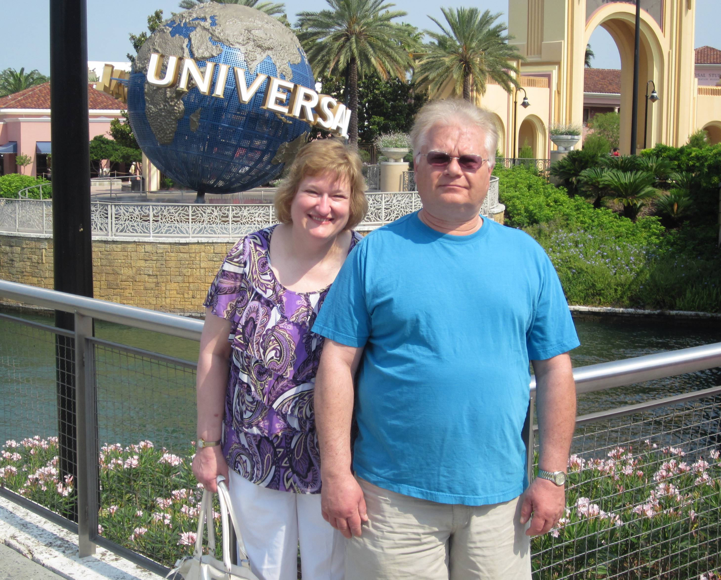 Janice and Joe Such of Elk Grove Village pause during a visit to Universal Orlando Resort in 2011.