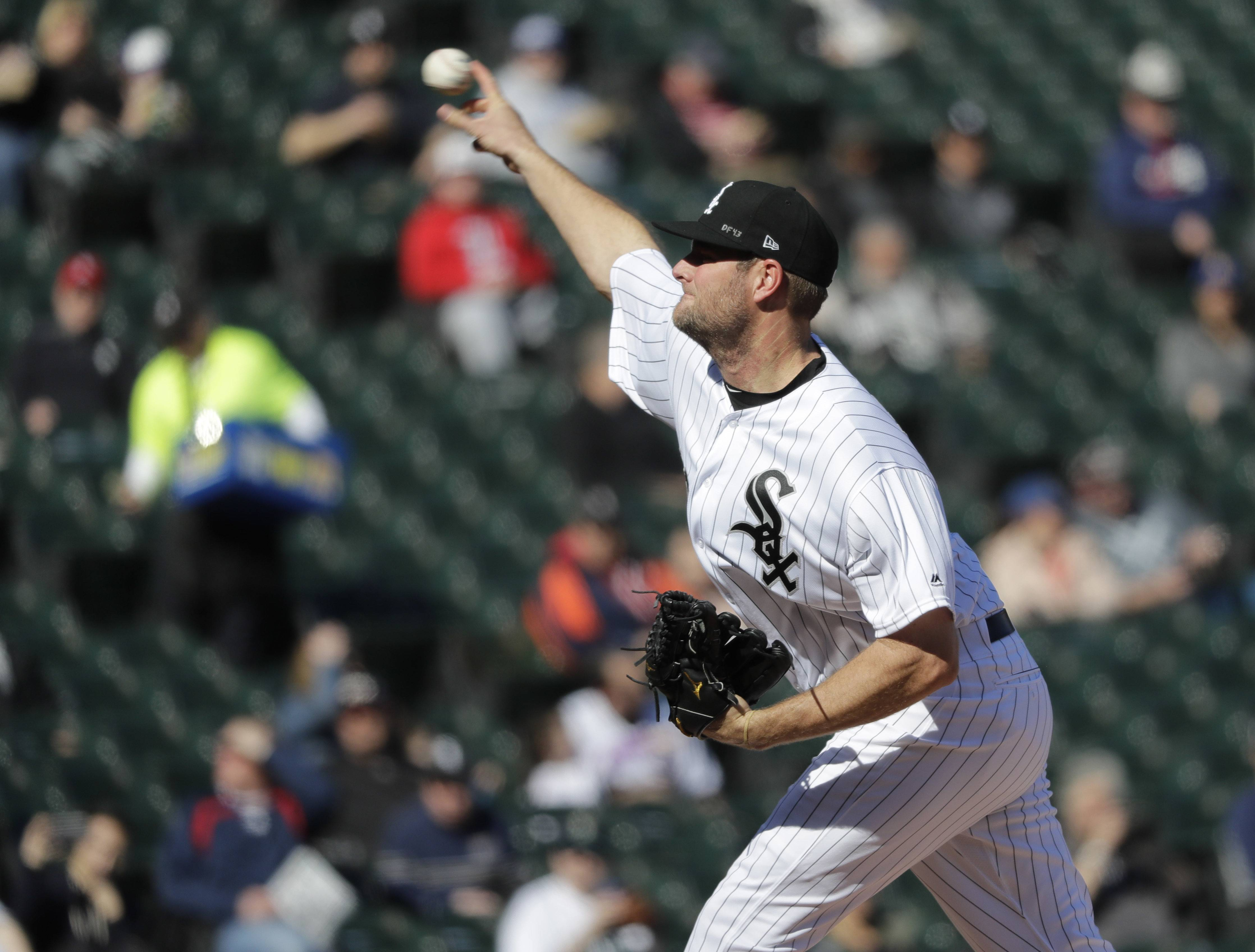 After erupting for 10 runs on 18 hits against the Seattle Mariners Monday, the Chicago White Sox were limited to 5 hits Tuesday in a 1-0 loss at Guaranteed Rate Field. The Sox had a chance to win a second straight game over the Mariners Tuesday at Guaranteed Rate Field thanks to a strong effort from fill-in starter Chris Volstad.