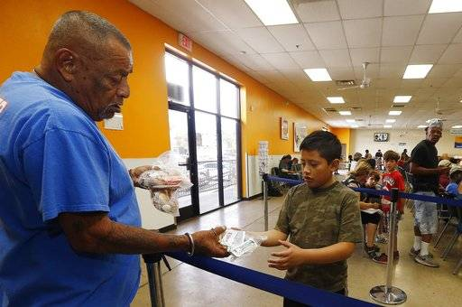 Chandler Food Bank Volunteer
