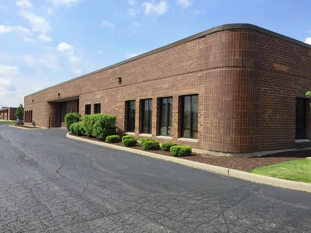 Podolsky Circle CORFAC International  announced the sale of 1000 E. State Parkway in Schaumburg.