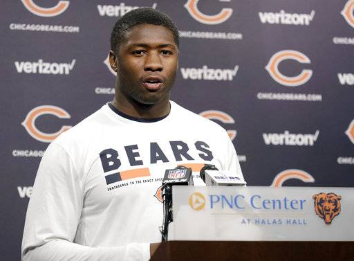 Chicago Bears linebacker Roquan Smith talks to reporters before the NFL football team's rookie minicamp Friday, May 11, 2018, in Lake Forest, Ill.