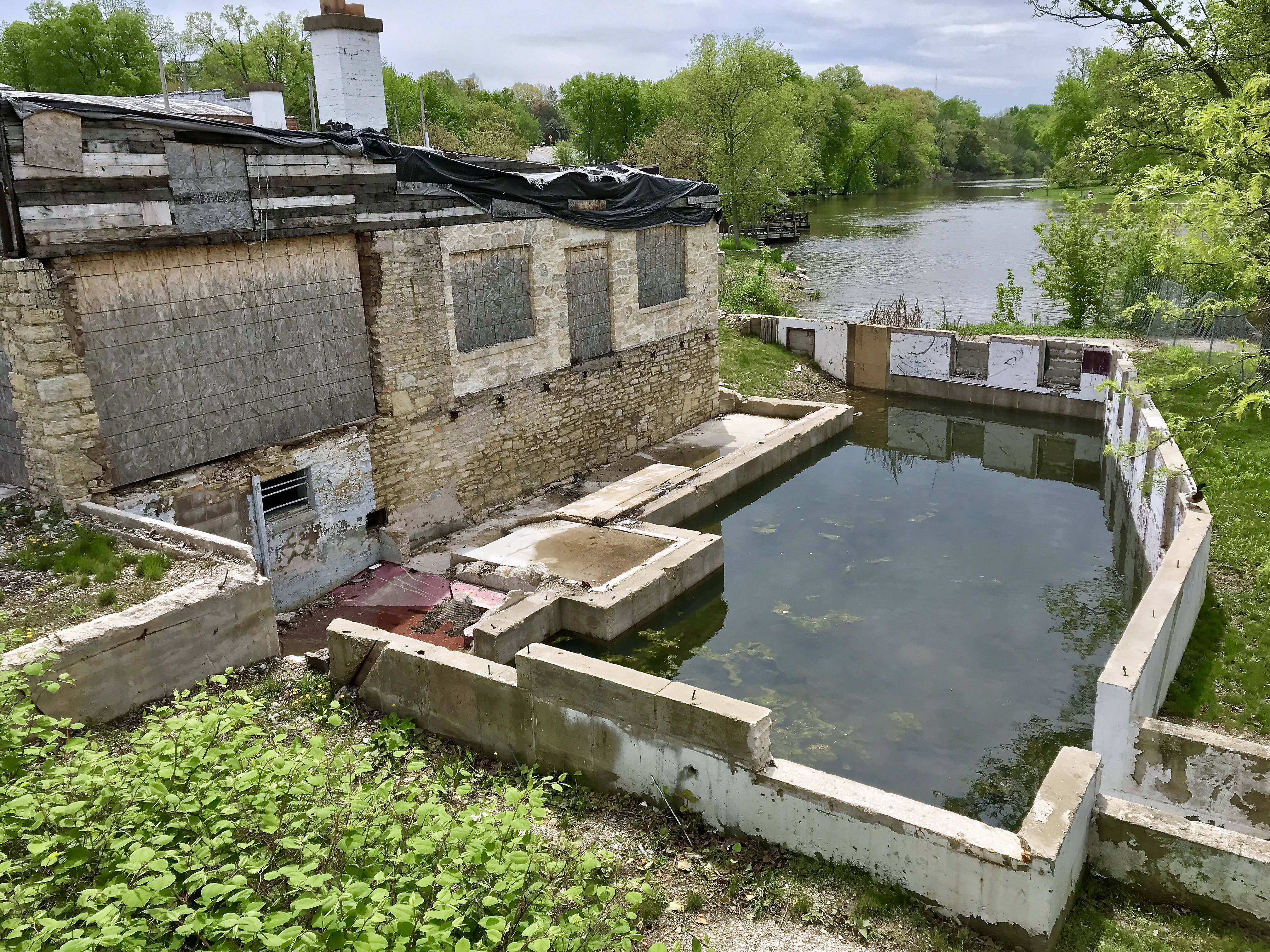 Daily Herald columnist Dave Heun wonders whether what remains of the Mill Race Inn in Geneva is worth preserving or should be torn down to make way for a new development.