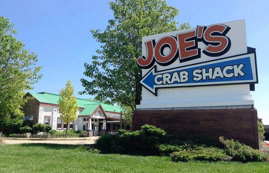 The Capital Grille restaurant, which already has locations in Rosemont, Lombard and downtown Chicago, will soon replace the long-vacant Joe's Crab Shack with a new building at Golf Road and McConnor Parkway in Schaumburg.