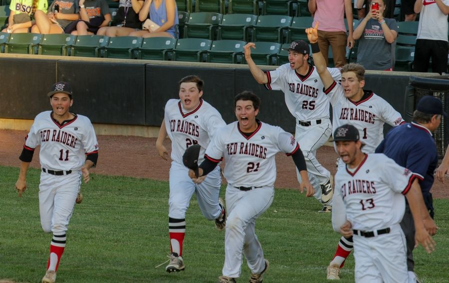 Bev Horne/bhorne@dailyherald.comHuntley celebrates their 8-4 win over Loyola in Class 4A sectional semifinal baseball at Boomers Stadium in Schaumburg on Monday.