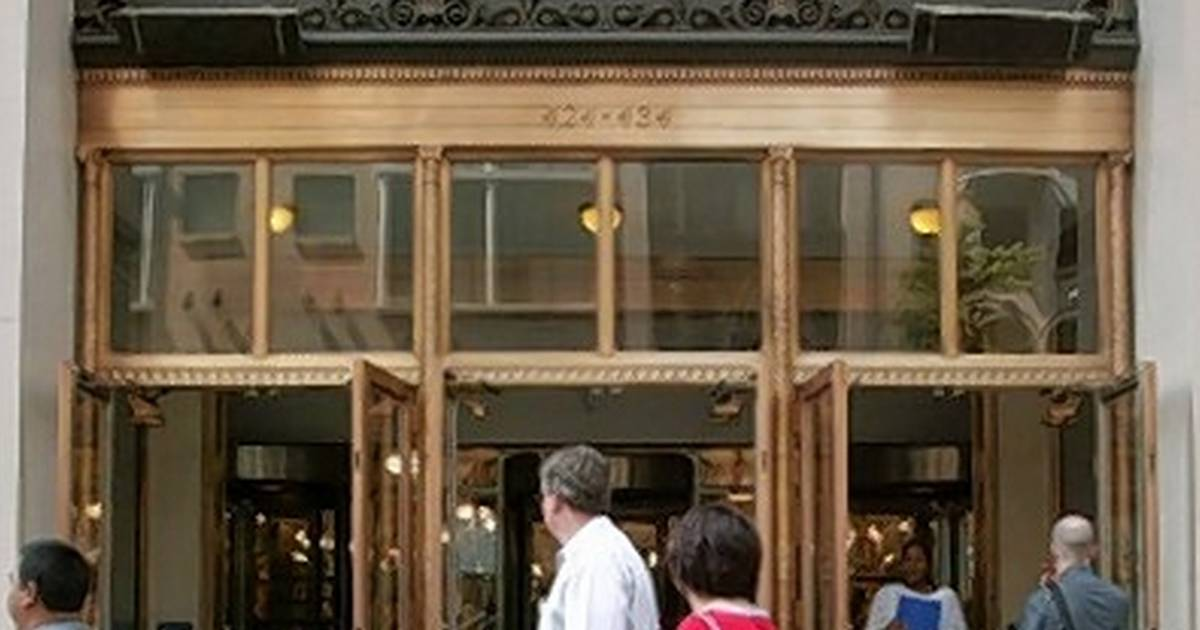 are there lord and taylor stores in california