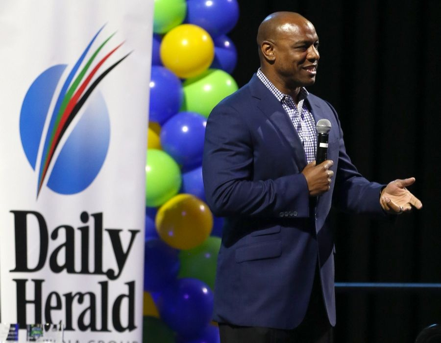 Jarrett Payton, a former St. Viator standout and the son of late Bears Hall of Famer Walter Payton, was the guest speaker Thursday night at the Daily Herald Prep Sports Excellence Awards at the Sears Centre in Hoffman Estates.