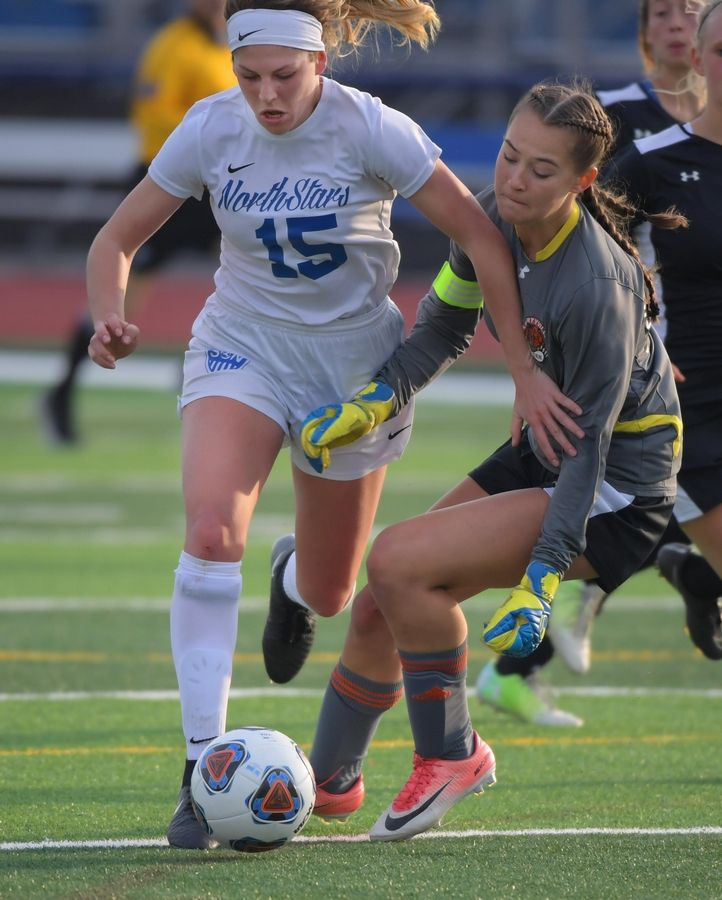 7022b1045 Girls soccer  Wahlberg s approach made her