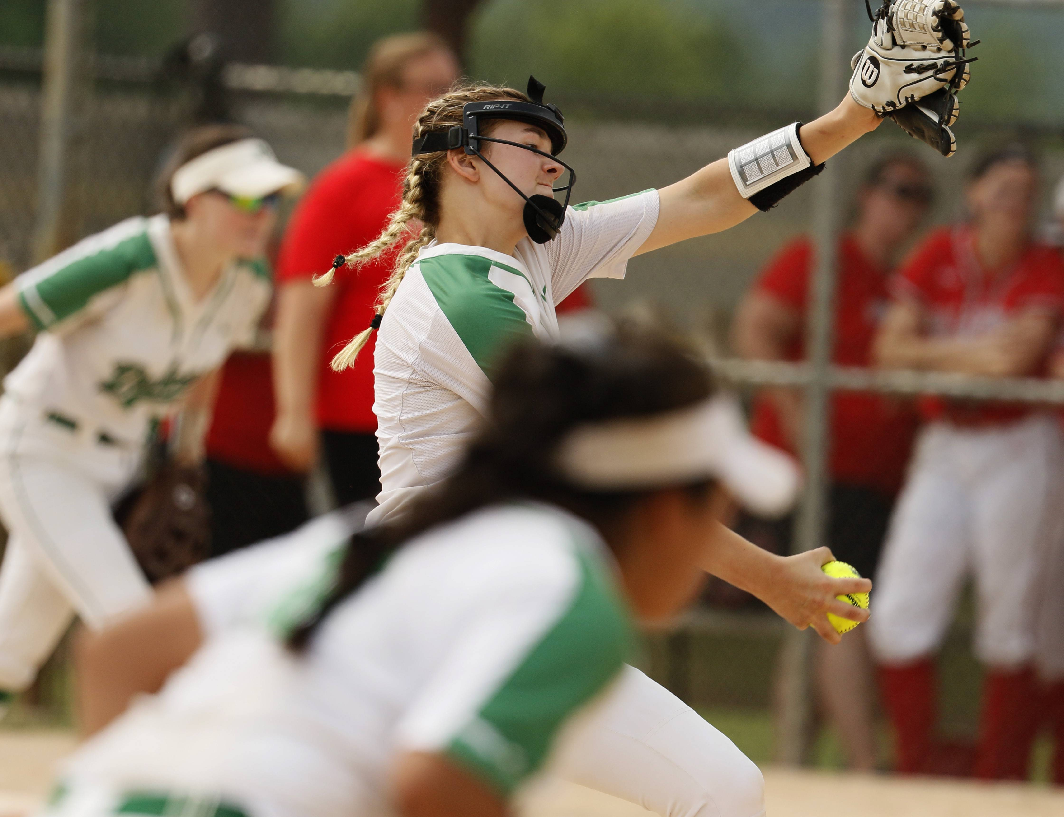 York's Lauren Derkowski delivers a pitch against Palatine during the Class 4A third-place game.