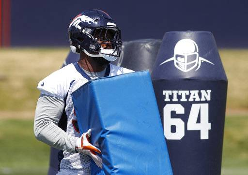 64fb85672 Denver Broncos linebacker Von Miller takes part in drills during practice  at the NFL football team s
