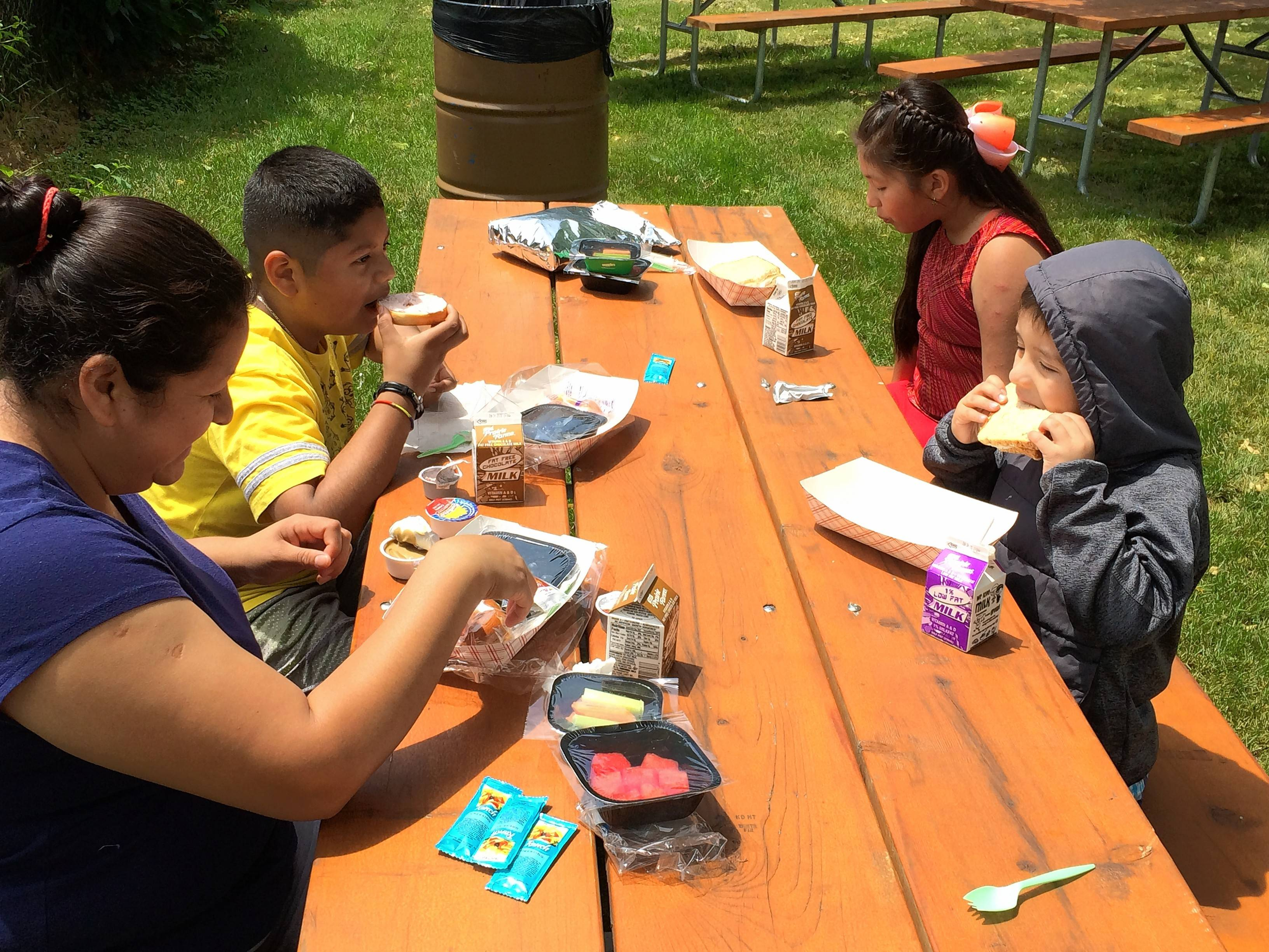 Wauconda volunteers feeding hungry kids over summer vacation