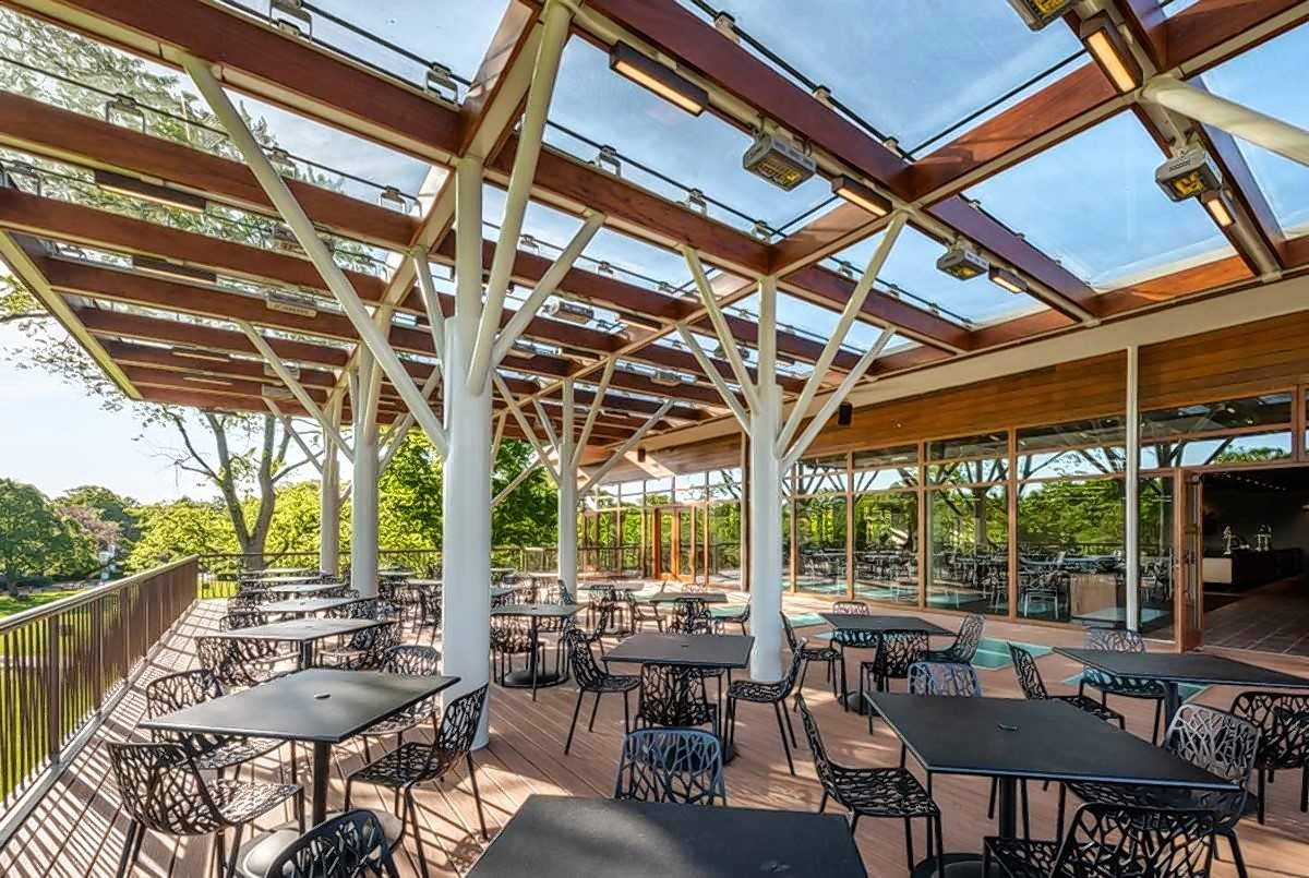 A new second-level al fresco outdoor dining area is complete at Ravinia.
