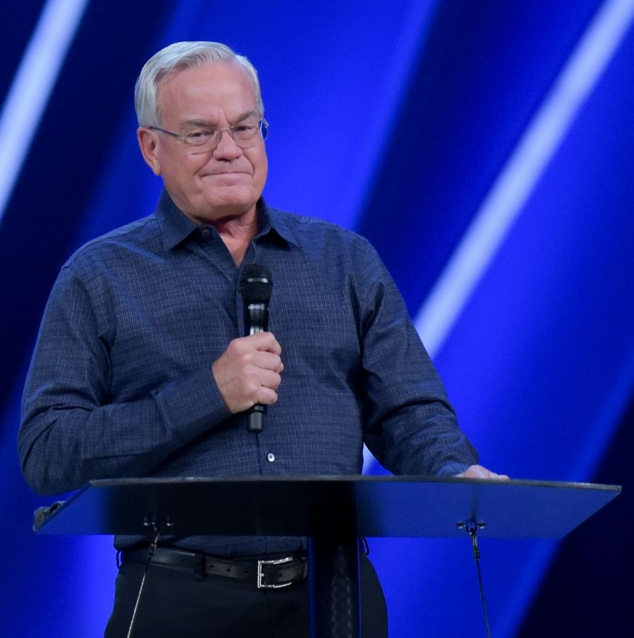 Bill Hybels announces on April 11 that is stepping from his leadership position at the South Barrington-based Willow Creek Community Church.