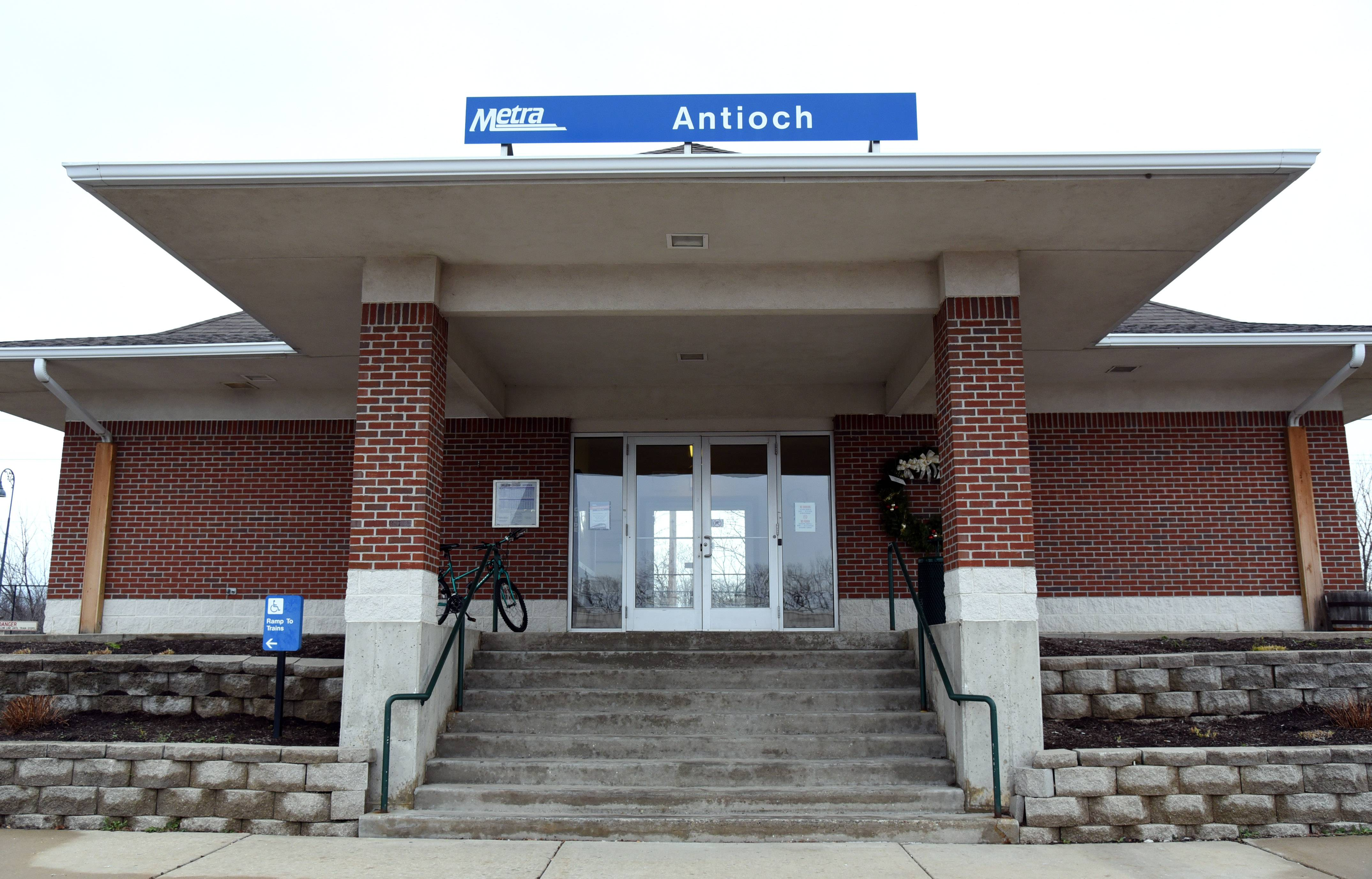 Metra is beginning changes to its fare structure that include price breaks for riders to Chicago from some of the railroad's far-out stations like Antioch.