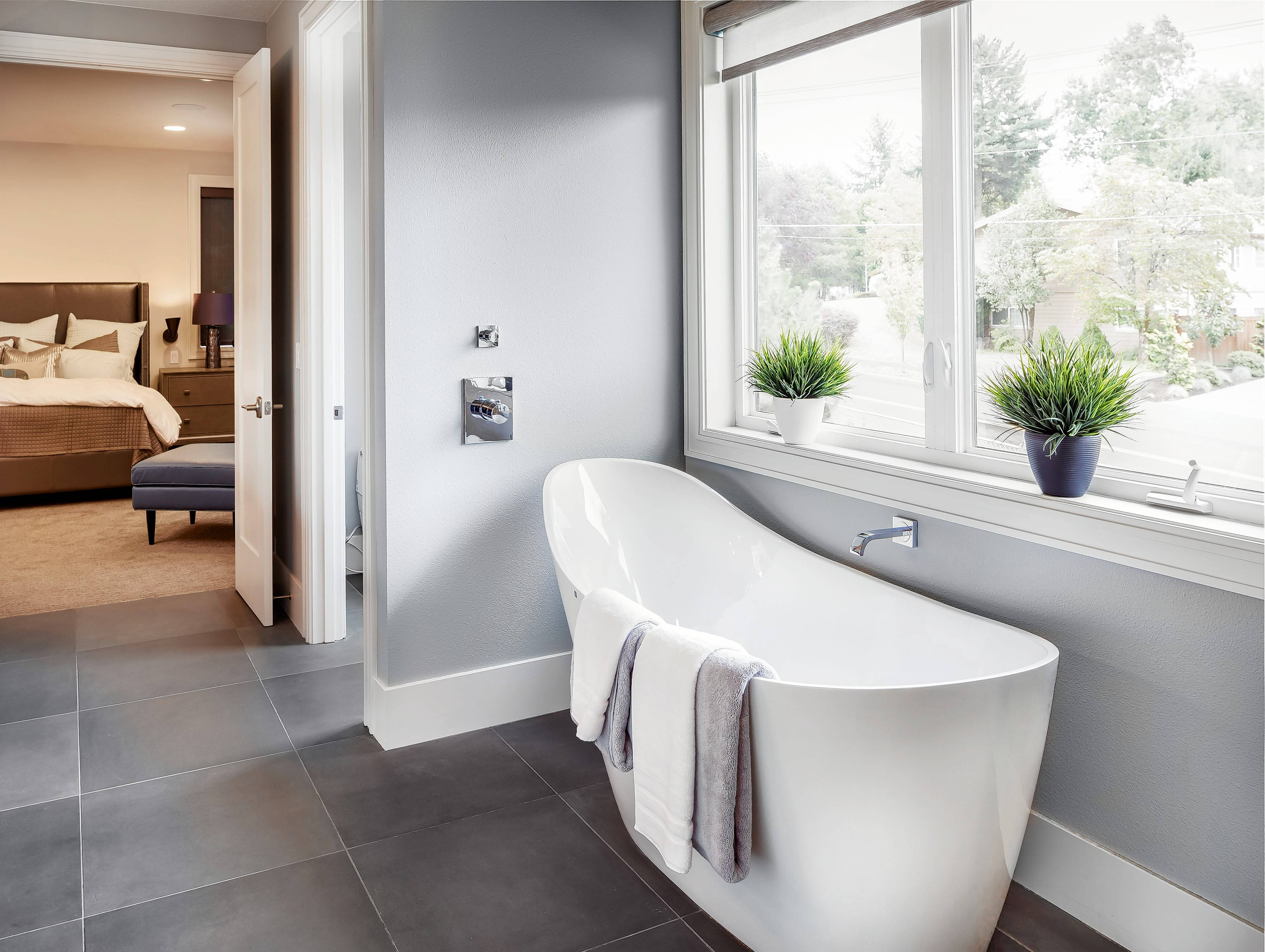 Free-standing bathtubs remain all the rage in master suites.