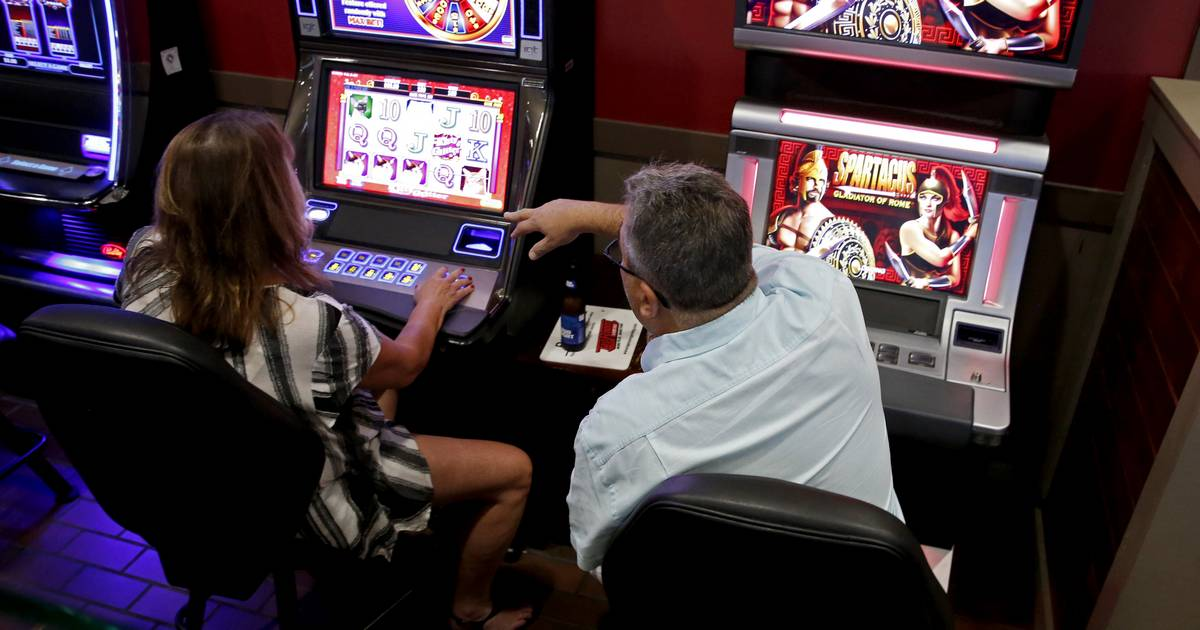 States Weigh Bets on Mobile Sports Gambling