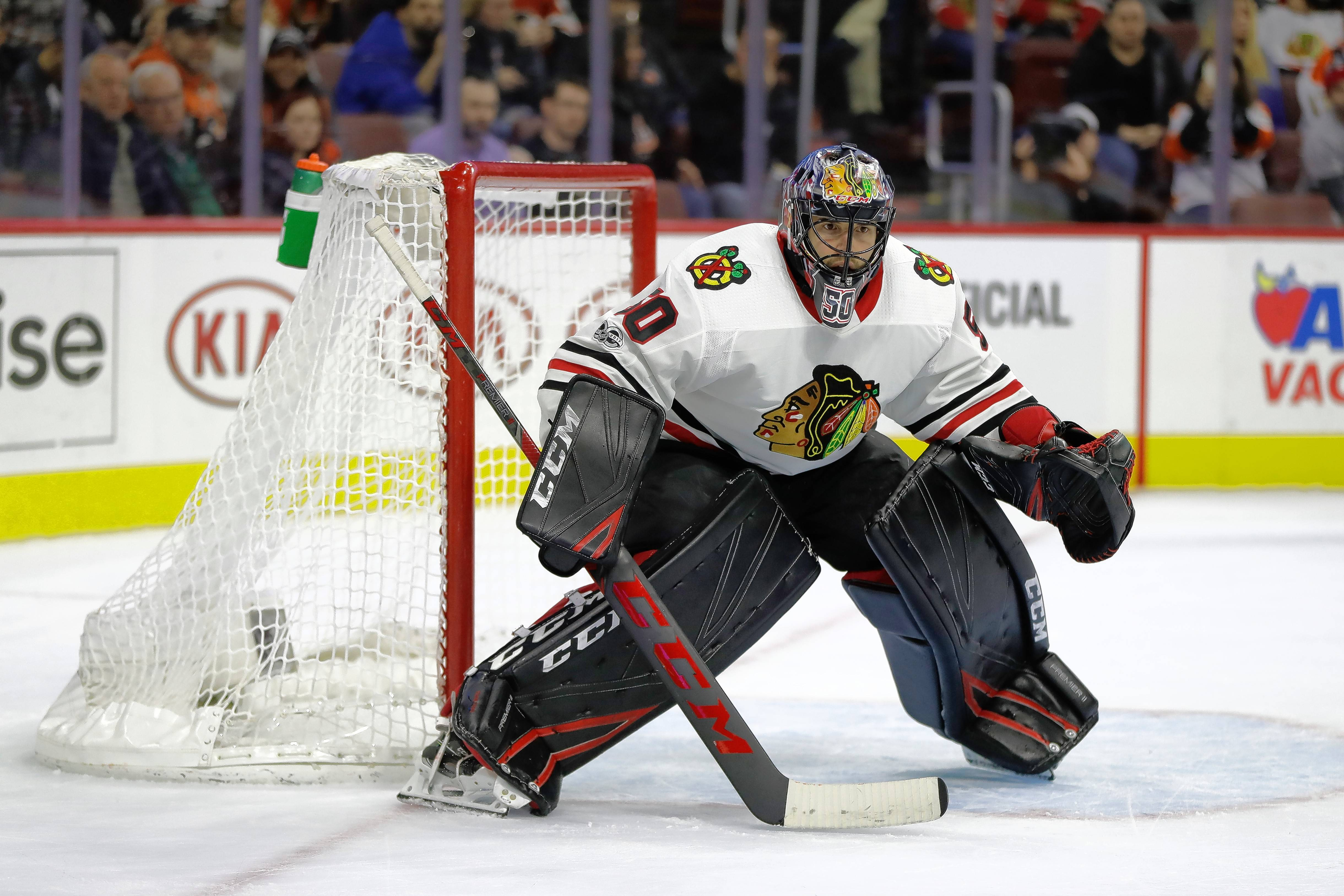 Chicago Blackhawks' Corey Crawford in action during an NHL hockey game against the Philadelphia Flyers, Thursday, Nov. 9, 2017, in Philadelphia. (AP Photo/Matt Slocum)